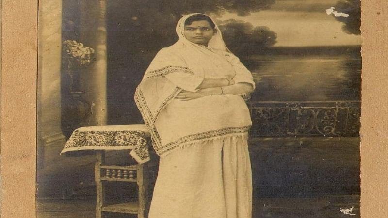 सुभद्रा जी राष्ट्रीय चेतना के अलावा सामजिक चेतना की भी एक सजग साहित्यकार  थीं