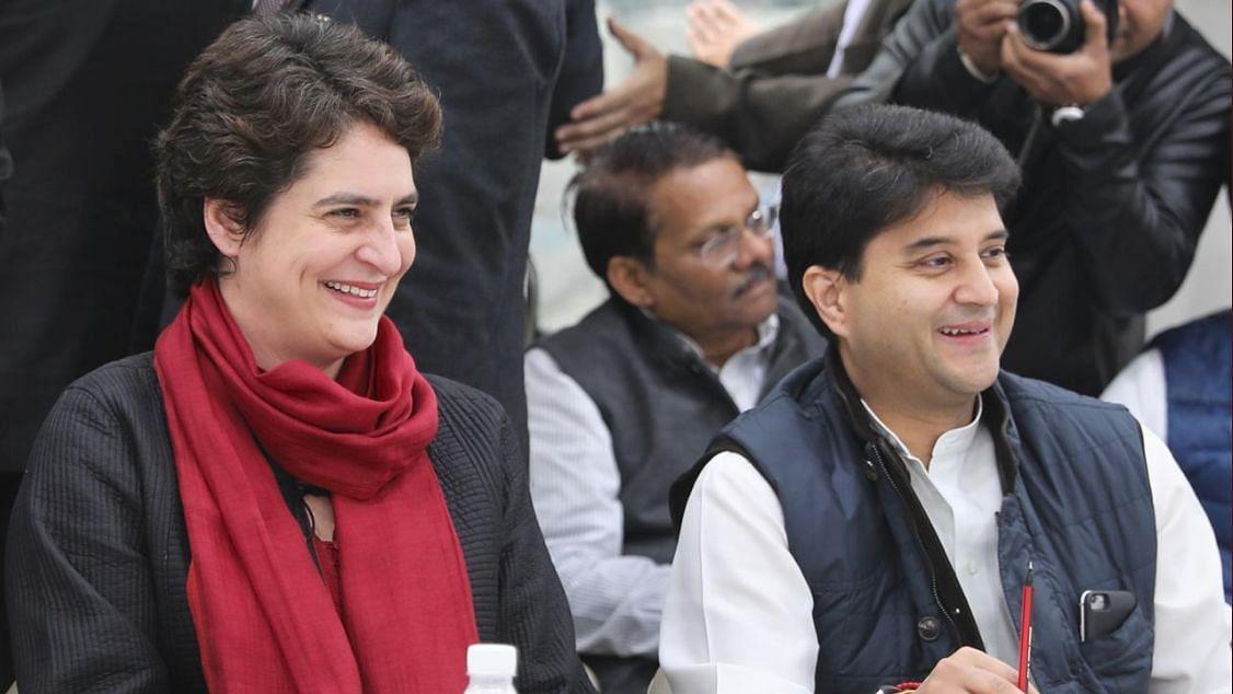 महासचिवों की बैठक में शामिल हुए प्रियंका गांधी और ज्योतिरादित्य सिंधिया