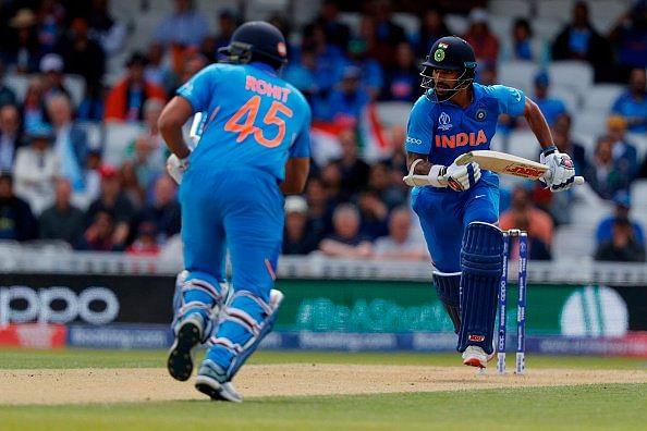 धवन और रोहित ने भारत को अच्छी शुरुआत दिलवाई है.