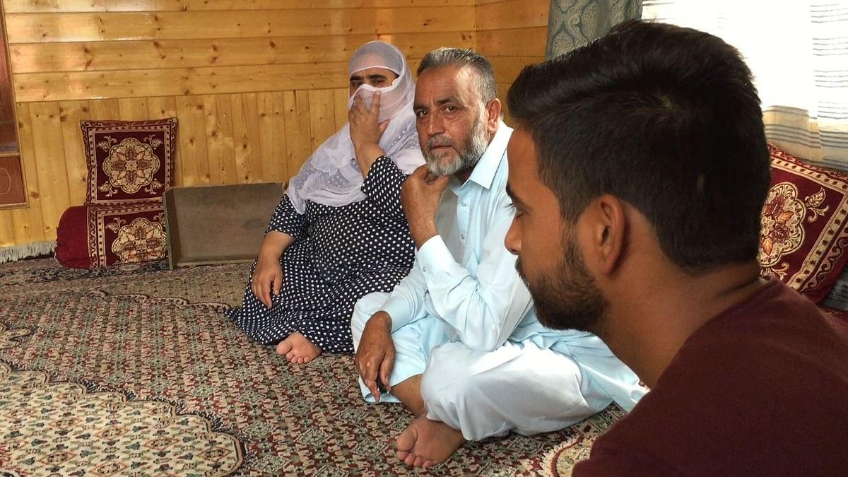 श्रीनगर ग्राउंड रिपोर्ट 4: 'ईद पर बच्चे को  बुलाएं भी तो किसलिए?'