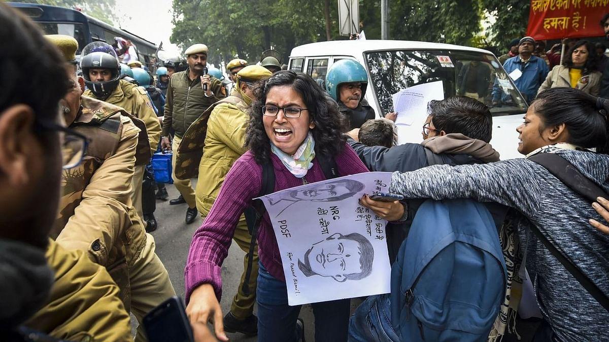 CAA प्रदर्शन को दबाने की कोशिश, लेकिन होकर रही 'दिसंबर क्रांति'