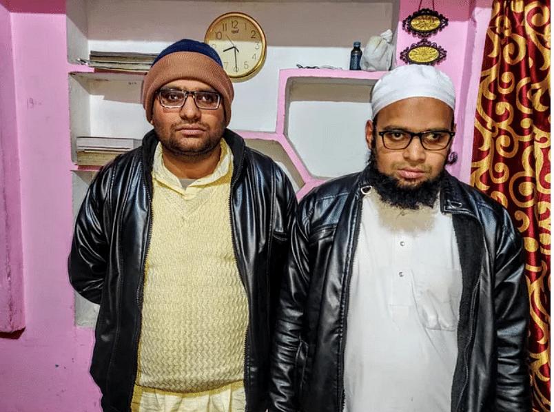 सुलेमान के दो भाई, शोएब मलिक (बाएं) और मौलाना सलमान (दाएं)