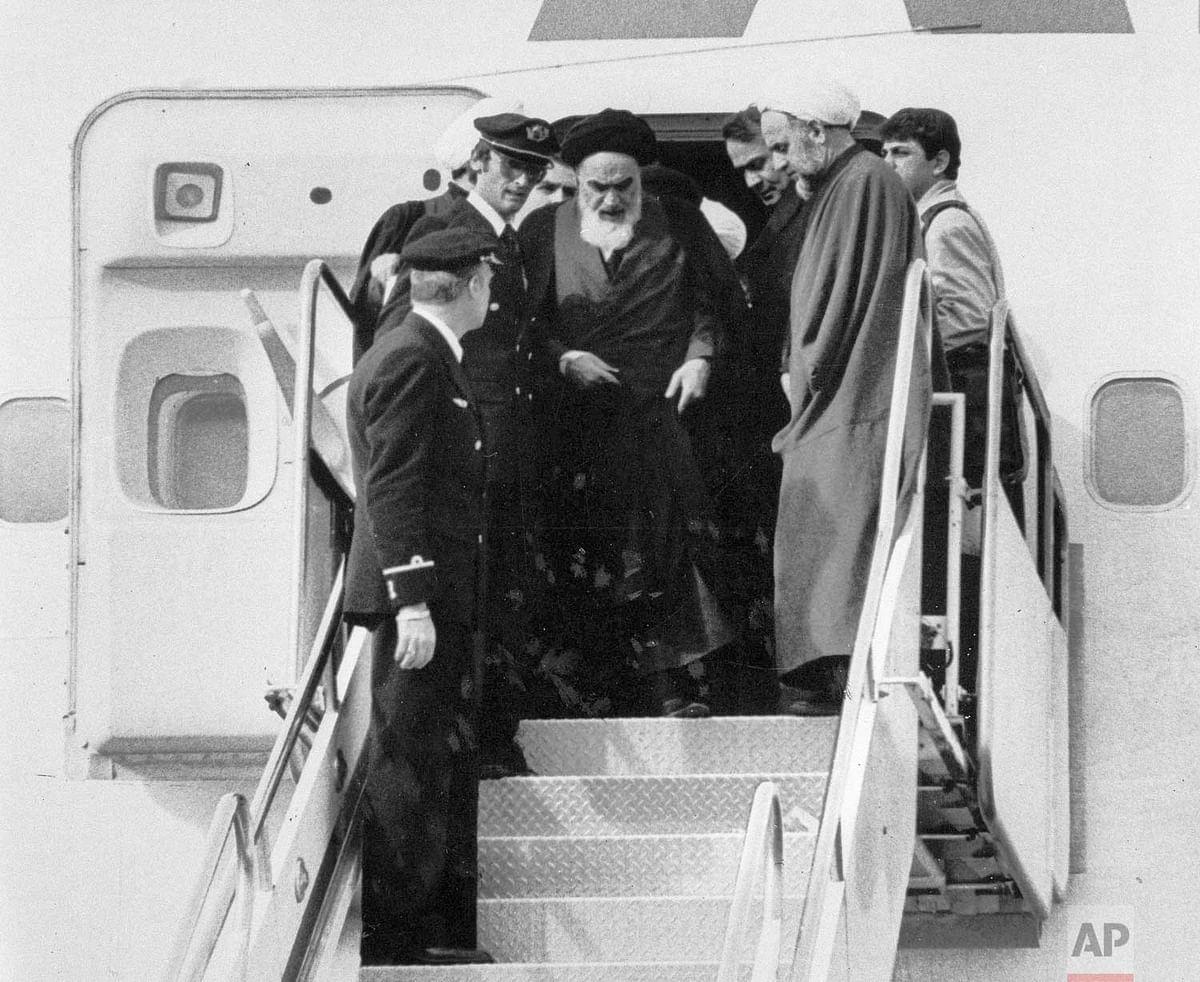 15 साल बाद ईरान वापस लौटे खोमैनी