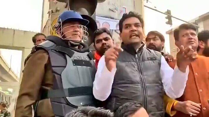 उत्तर-पूर्वी दिल्ली में 23 फरवरी की रात में हिंसा भड़क गई थी