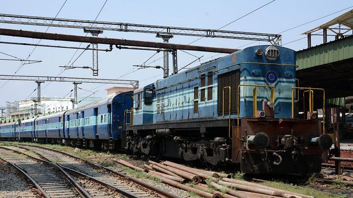 कोरोनावायरस का डर, 890 से ज्यादा ट्रेनें कैंसिल, देखें आज की लिस्ट