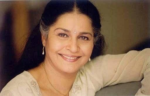 सुहासिनी मुले हिंदी, मराठी और असमी फिल्मों में काम कर चुकी हैं