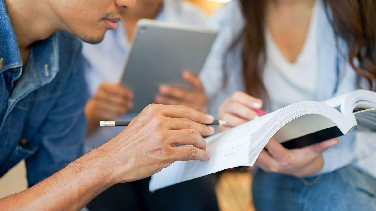 CBSE बोर्ड परीक्षा मई तक टालने की अपील, शिक्षा विभाग ने लिखा पत्र
