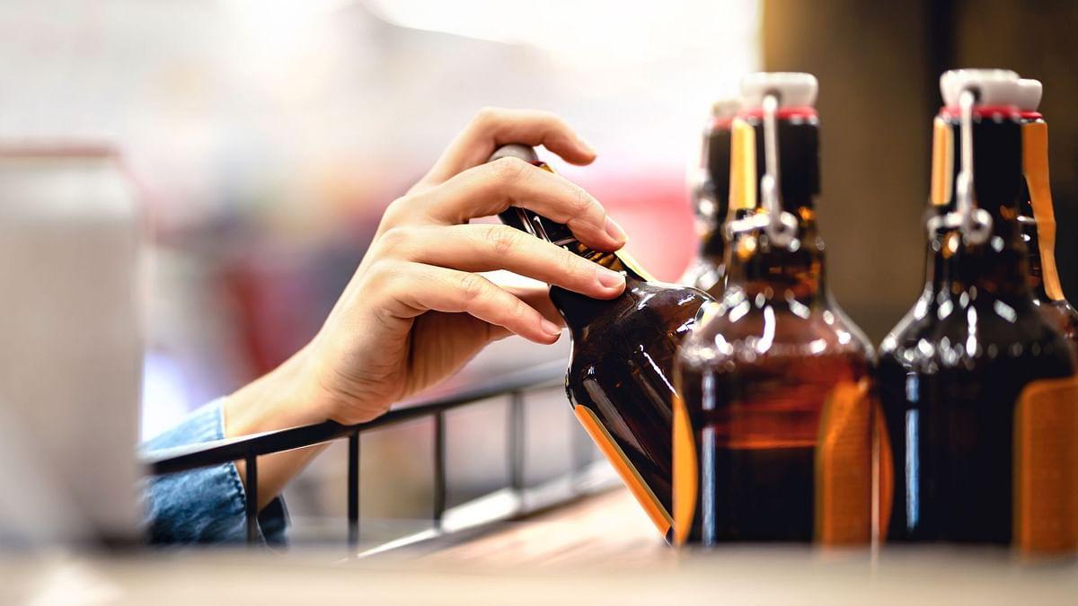 उत्तर प्रदेश में अब मॉल में भी मिलेगी शराब, लेकिन सिर्फ महंगी वाली