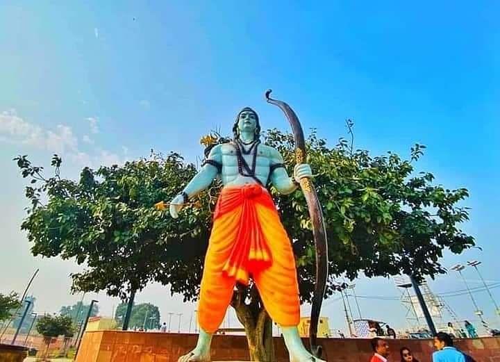 राम मंदिर भूमि पूजन से पहले कहीं भगवान राम दीवार पर नजर आ रहे हैं तो कहीं उनकी मूर्ति खड़ी नजर आ रही है