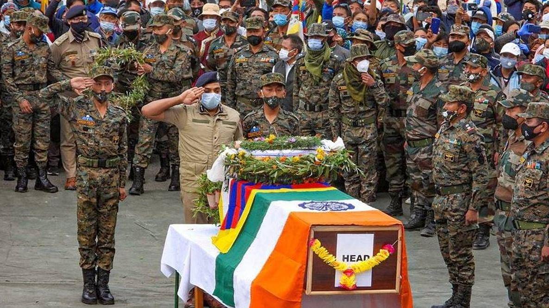 कमांडर तेंजिन का परिवार उन्हें चंचल, दयालु इंसान, एक ईमानदार और समर्पित सैनिक के तौर पर याद करता है