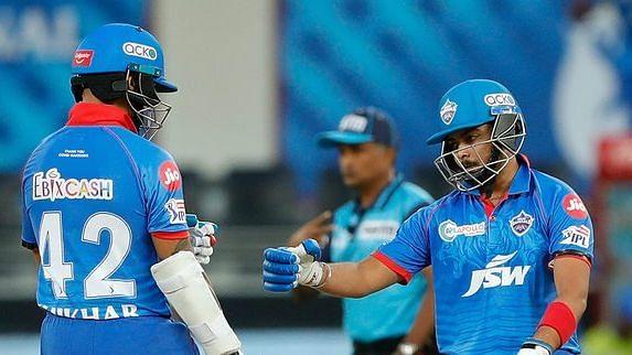 दिल्ली की तरफ से पृथ्वी शॉ ने सबसे ज्यादा 64 रनों की पारी खेली