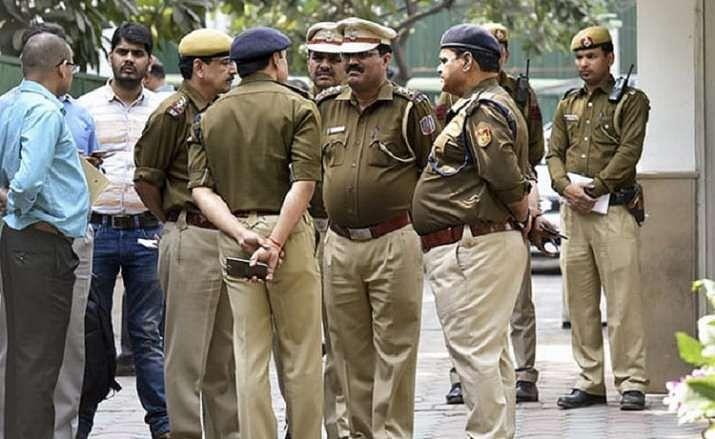UP पुलिस में होगी छंटनी, 50 की उम्र पार तो जबरन किए जाएंगे रिटायर