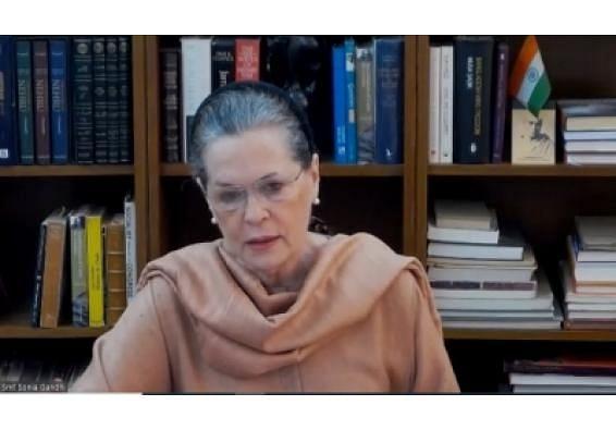सोनिया को डॉक्टर ने दिल्ली से बाहर जाने की दी सलाह,प्रदूषण का असर