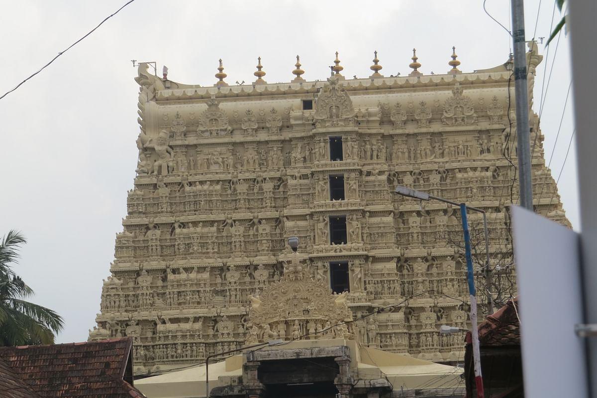श्री पद्मनाभ स्वामी मंदिर के बारे में जानकारी - Sree Padmanabhaswamy Temple in Hindi