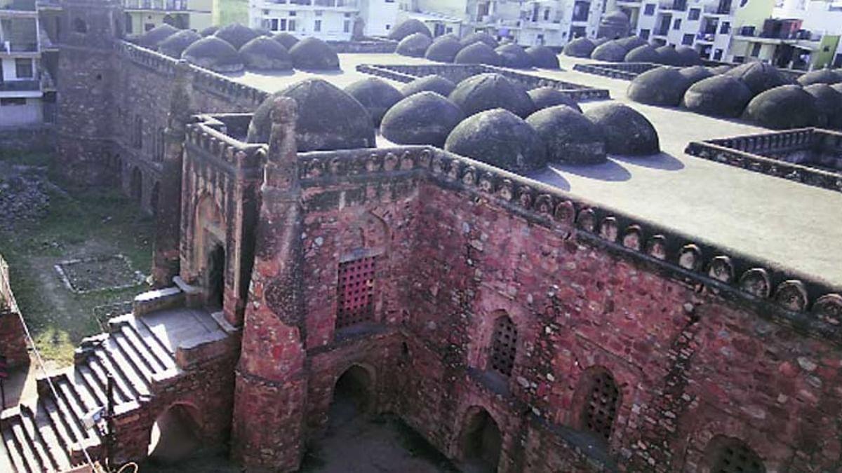 खिड़की मस्जिद - khirkee masjid in Hindi