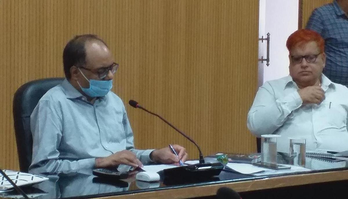 मुज़फ़्फ़रपुर में बाढ़ की तैयारियों को लेकर जिलाधिकारी ने की समीक्षा बैठक