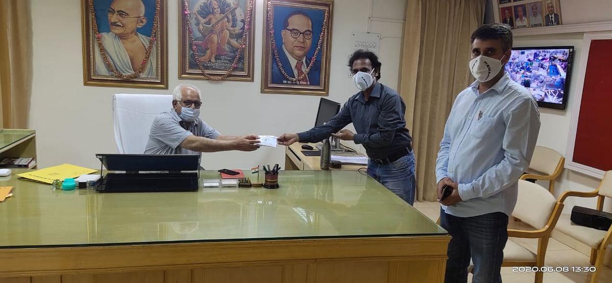 नीव संस्था ने विश्वविद्यालय में बांटे आईआईटी दिल्ली निर्मित माॅस्क