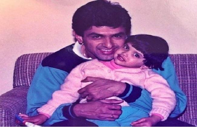 पापा प्रकाश पादुकोण के जन्मदिन पर दीपिका ने शेयर की थ्रोबैक तस्वीर, बोली-ग्रेटेस्ट ऑफ स्क्रीन हीरो