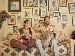 अंग्रेजी मीडियम फिल्म रिव्यू- इरफान, दीपक डोबरियाल की बेहतरीन अदाकारी से सजी इमोशनल कहानी