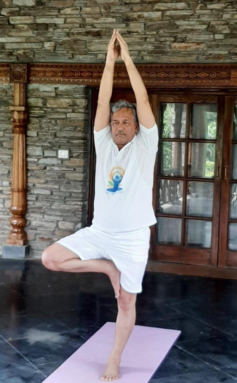 उत्तराखंडः राज्यपाल, मुख्यमंत्री और स्पीकर ने दी अंतरराष्ट्रीय योग दिवस की शुभकामनाएं