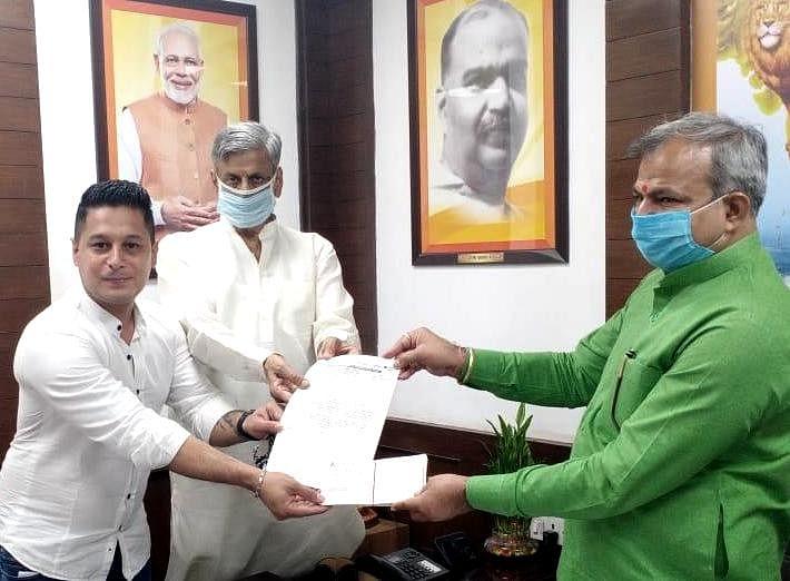 दिल्ली ग्रेन मर्चेंट्स एसोसीएशन ने प्रधानमंत्री राहत कोष में दिया 25 लाख का चेक