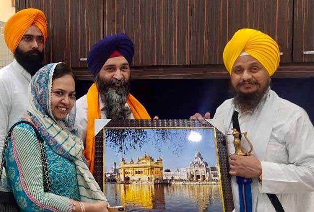 अकाल तख्त जत्थेदार व एसजीपीसी अध्यक्ष ने डीएमसी लुधियाना के डाक्टर हरपाल सिंह सेल्ही को किया सम्मानित...