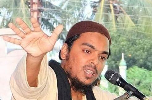 मुस्लिम धर्मगुरु अब्बास सिद्दीकी के खिलाफ मुकदमा दर्ज