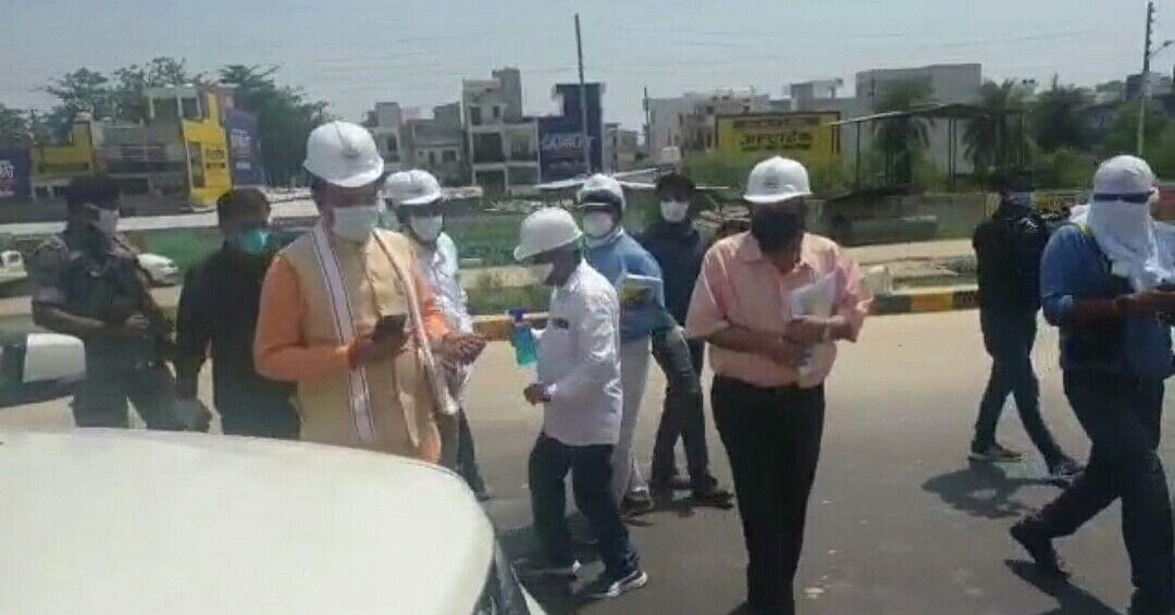 उपमुख्यमंत्री केशव ने किडनी ट्रांसप्लांट सेंटर व एलिवेटेड फ्लाई ओवर का निरीक्षण किया