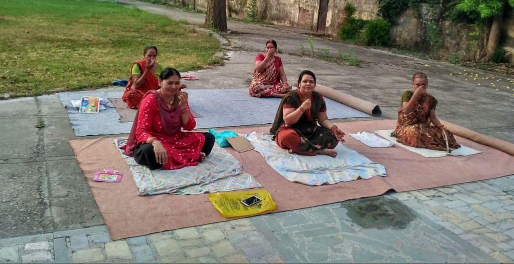 फतेहपुर जनपद में योग के प्रति महिलाओं का बढ़ा रूझान