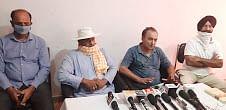पूर्व मंत्री चैधरी लाल सिंह के समर्थकों ने पत्रकारवार्ता कर सीबीआई जांच को साजिश करार दिया