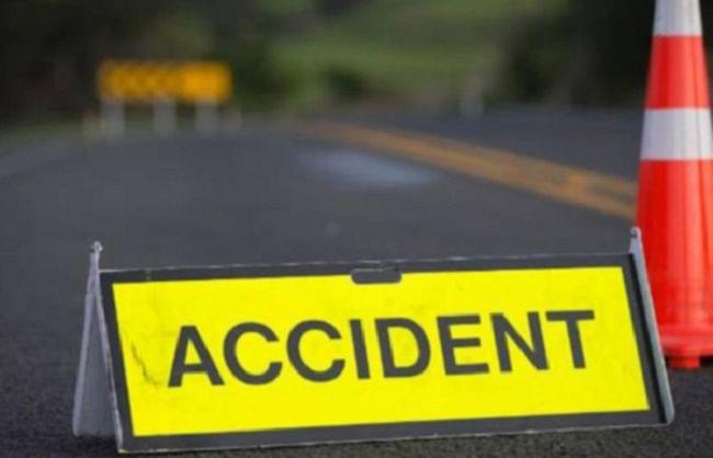 पौड़ीः कार दुर्घटना में ग्राम प्रधान समेत 2 की मौत, 2 घायल