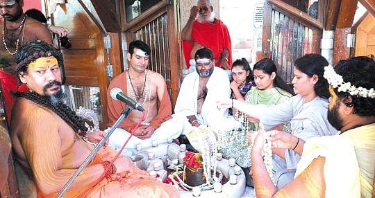 भगवान शिव को समर्पित है श्रावण मासः कैलाशानंद