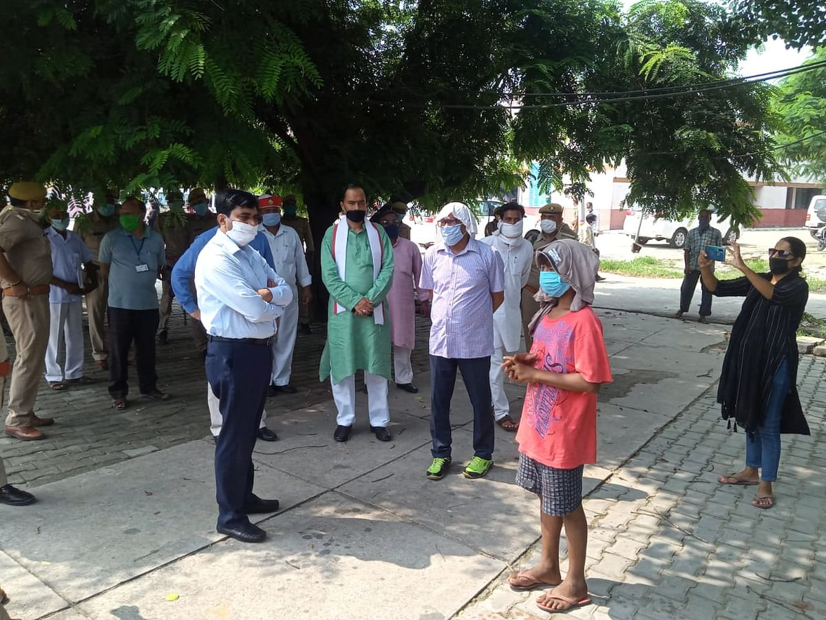 शाहजहांपुर : आंगन में सो रहे एक ही परिवार के सात लोगों पर गिरी दीवार, पांच की मौत