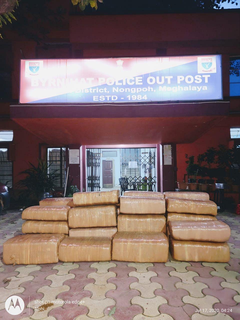 500 किग्रा गांजा समेत दो तस्कर गिरफ्तार