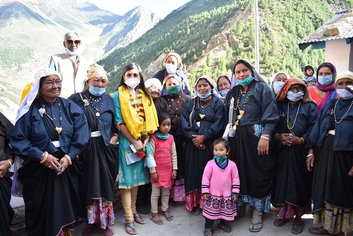 उत्तराखंडः सीमांत क्षेत्र नीति घाटी का डीएम और एसपी ने किया दौरा, गोटिंग चेकपोस्ट पर सैन्य अफसरों से भी मिले