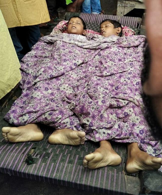 बाढ़ के पानी में डूबने से दो सहोदर भाइयों की मौत