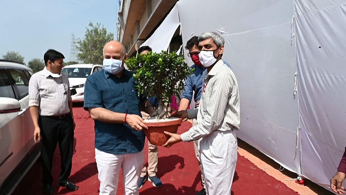 वन महोत्सव अभियान के तहत मनीष सिसोदिया ने किया पौधरोपण