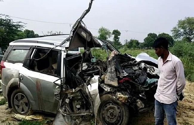 फिरोजाबाद: ट्रक और कार की टक्कर में दो लोगों की मौत, दो घायल
