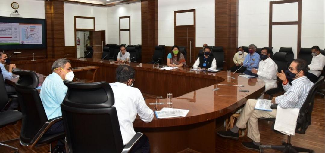 मुंबई को कोरोनामुक्त बनाने एकजुटता से करें काम: मुख्यमंत्री उद्धव ठाकरे