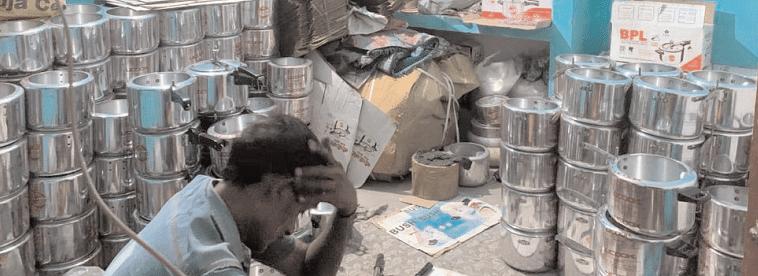नकली यूनाइटेड कुकर बनाने की फैक्टरी का भंडा फोड़ एक गिरफ्तार