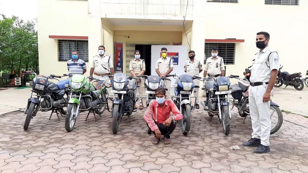 इनामी बदमाश के कब्जे से चोरी की सात बाइक जब्त