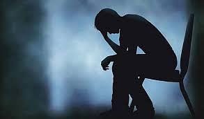 कोरोना से जुड़ी हर वक्त की चिंता बना सकती है अवसाद का शिकार
