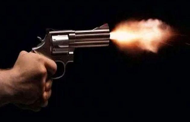 प्रतापगढ़ में रिटायर्ड दरोगा ने भतीजे की गोली मारकर की हत्या