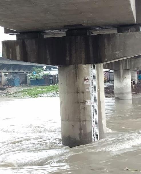 लगातार बारिश से उत्तर बंगाल में बाढ जैसे हालात