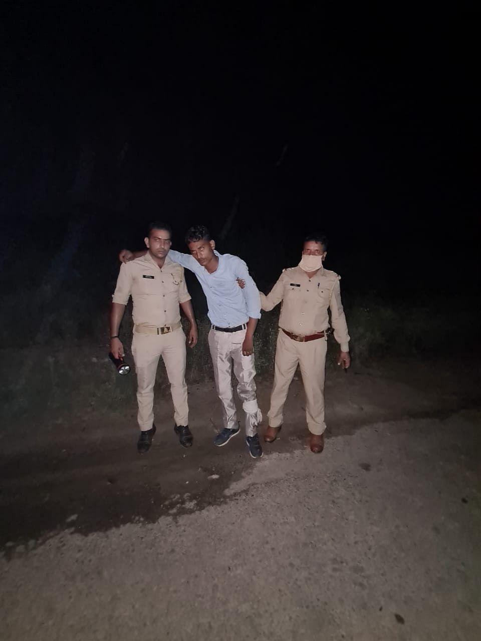 पुलिस मुठभेड़ में पकड़ा गया हाबुड़ा गैंग का सदस्य, दो बदमाश फरार