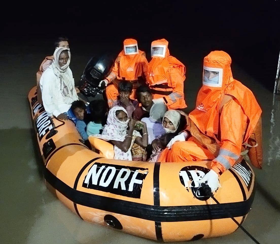 बरपेटा में एनडीआरएफ का सघन बचाव अभियान जारी