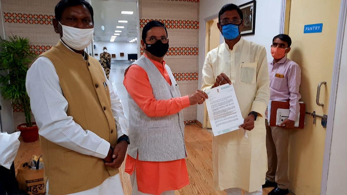रांची लोकसभा के विभिन्न मांगों को लेकर कोयला मंत्री से मिले सांसद संजय सेठ