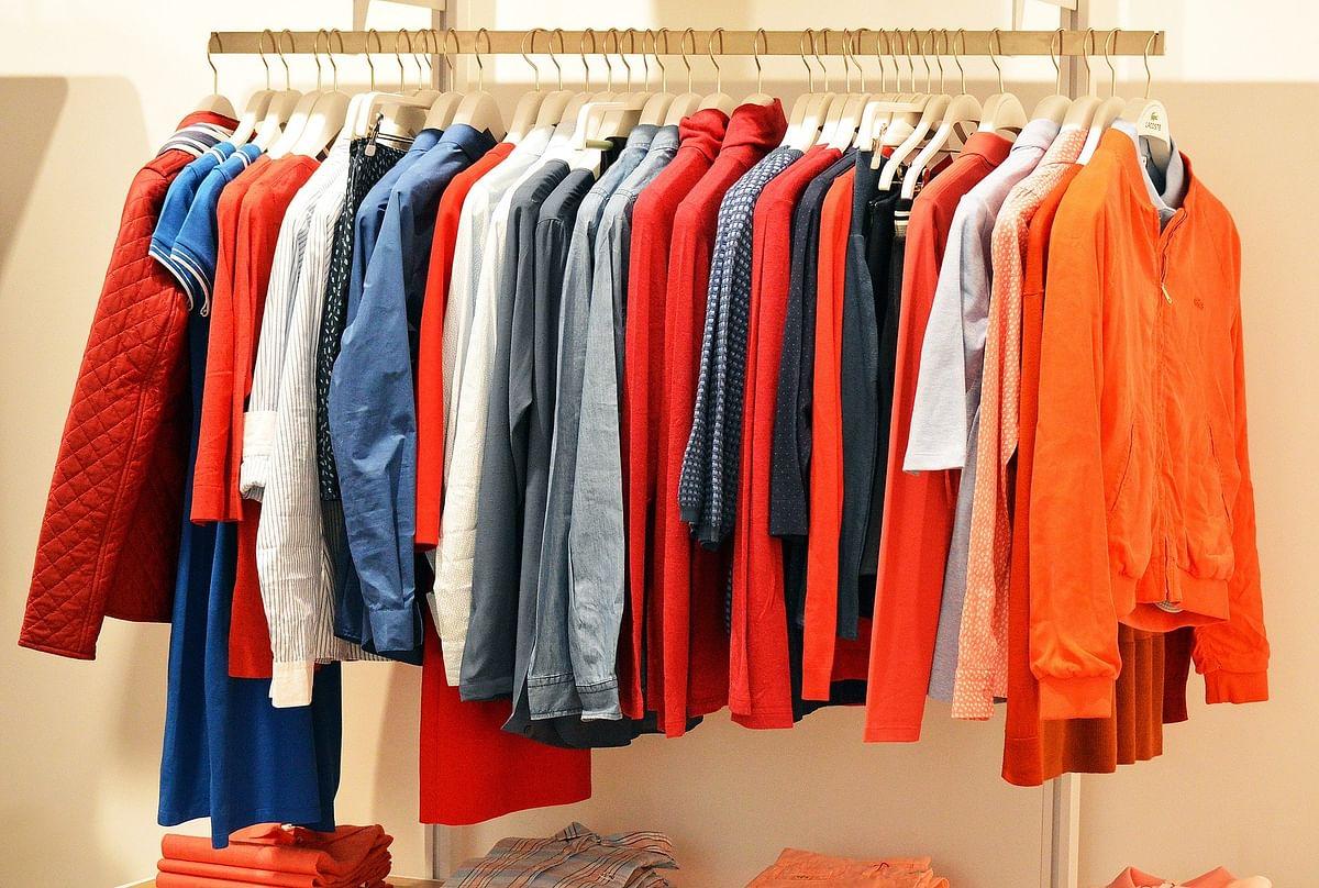 पांच ऐसे सरल तरीके जो आपके पुराने कपड़ों में डाल देंगे नई जान