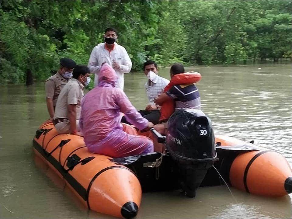 पूर्वी चंपारण मेंं राहत कार्य शुरू, लोगों को  पहुंचाया जा रहा सुरक्षित स्थानों पर