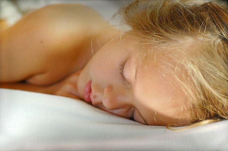 सपने में लड़की देखने का मतलब - Dream Of Girl Meaning